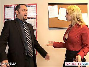 stellar Sarah Vandella gives oral romp