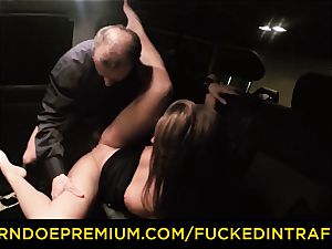 smashed IN TRAFFIC nosey brunette hookup with driver