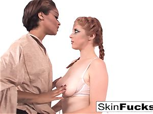 Jedi skin trains Penny the energy
