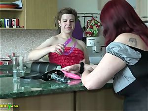 OLDNANNY teen lezzy stick plaything to senior granny slit