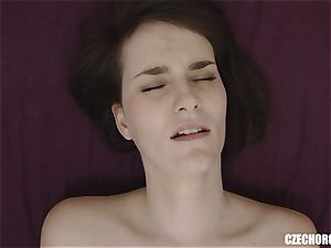 unexperienced dame Reaches Her first-ever muff climax