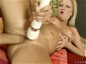 Nikky Thorne massaging the climax of her mate
