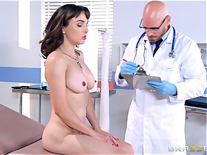 Cytherea is left drizzling as she visits the medic