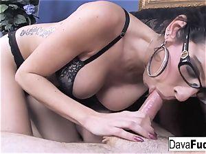Dava gives a scorching blowjob