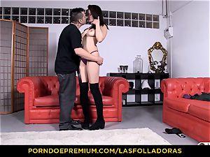 LAS FOLLADORAS - diminutive asian rear end style plumb