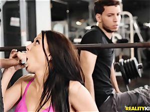 puss thrashing Rachel Starr ball sack deep at the gym
