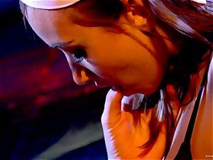 Sarah Vandella loves taunting Louisa Lanewoods raw fuck hole