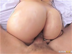 Mandy Muse takes shaft in her lubed up widely opened backside