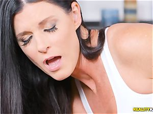 mischievous mummy India Summers thrashed in the puss during yoga