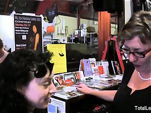 milf smacks her stepdaughter