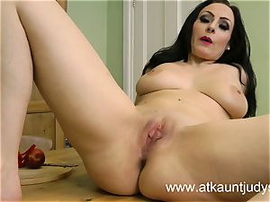 Sophia Delane looks super-hot in her undergarments
