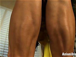 phat clitoris milf sticks fake penis in her humungous pussy