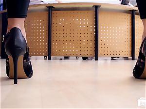 booties BUERO - torrid German secretary plumbs her boss