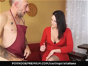 audition ALLA ITALIANA - huge-boobed black-haired likes wet assfuck