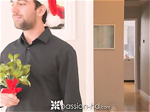 PASSION-HD Christmas plumb and facial cumshot after gift opened