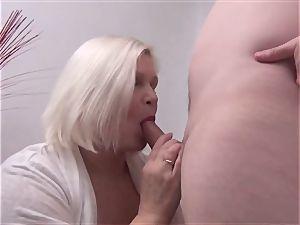 Mature hottie Lacey Starr pov blowage