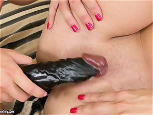 Mandy Dee smashes her girlfriend with their fave toy until they jizz