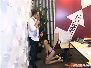 Ariana Marie at her daddys work getting penetrated in his office