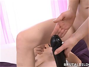Mary sticks Blue Elis hatch and labia with a enormous dildo