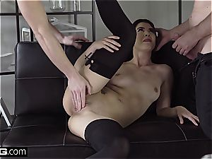 Glamkore - chick Dee gets a double jizz flow facial