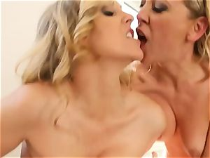 dual massage for mature babe Julia Ann and 3some pounded