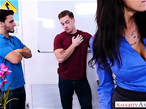 milf Reagan Foxx hankers that hefty fuckpole of Kyle