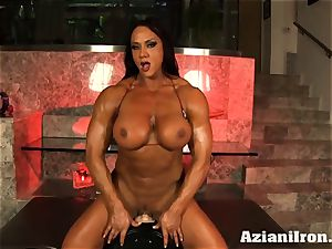 Amazon princess Amber Deluca loves her sybian ejaculation